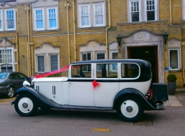 Vintage Rolls Royce wedding car hire in Portsmouth